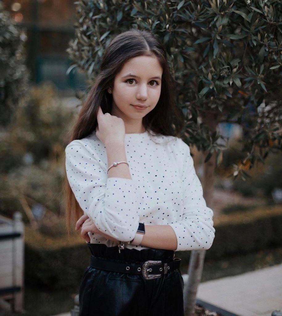 Фото нади авдеевой работа девушкам в москве без интима